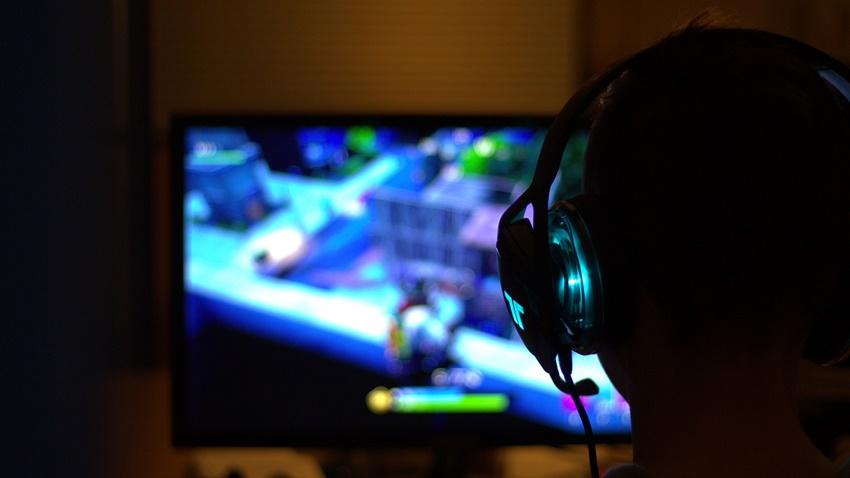Kan Donduran Olay Bilgisayar Oyunu Yüzünden Kardeşini Öldürdü
