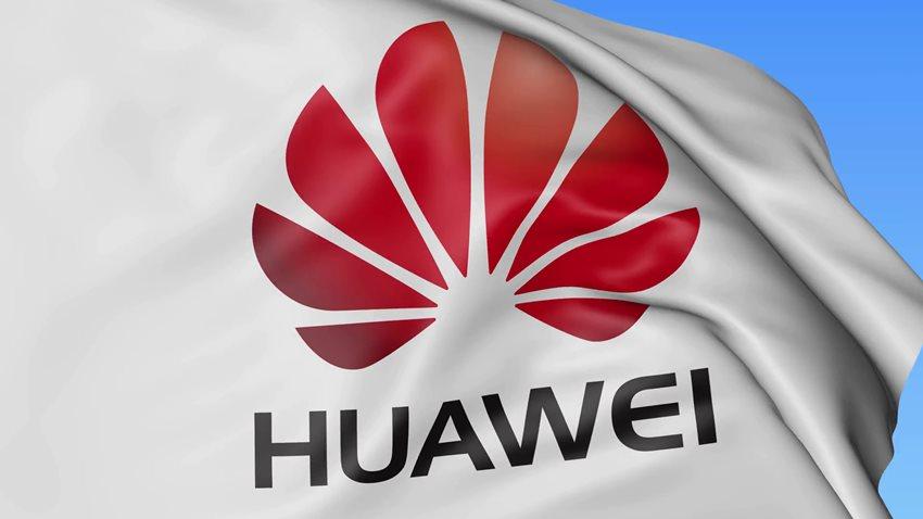 Huawei, Mate X'in Ayda 100.000 Adet Satıldığını Açıkladı
