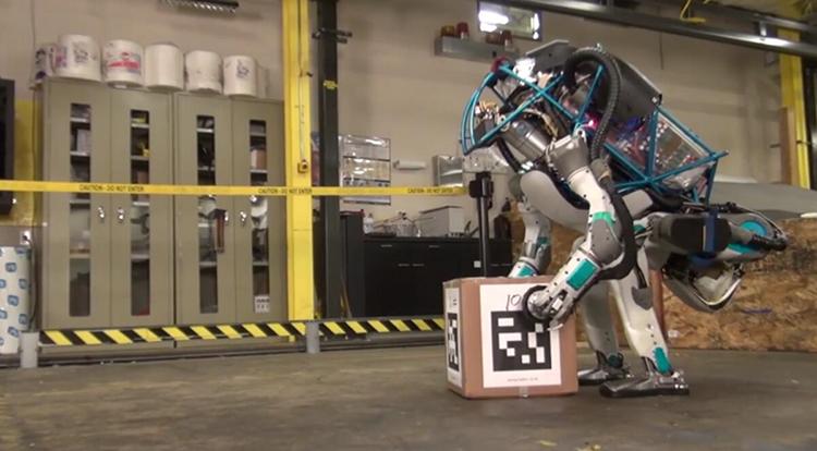 Robotlar İş Gücü Yükünü Azaltıyor