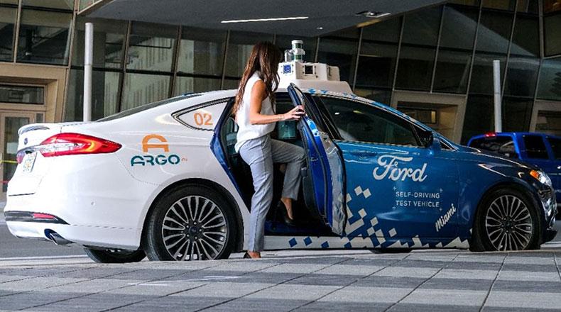 Ford Otonom Taksi 2