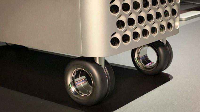 Apple Binlerce Liralık Mac Pro Tekerleklerini Satışa Sunu