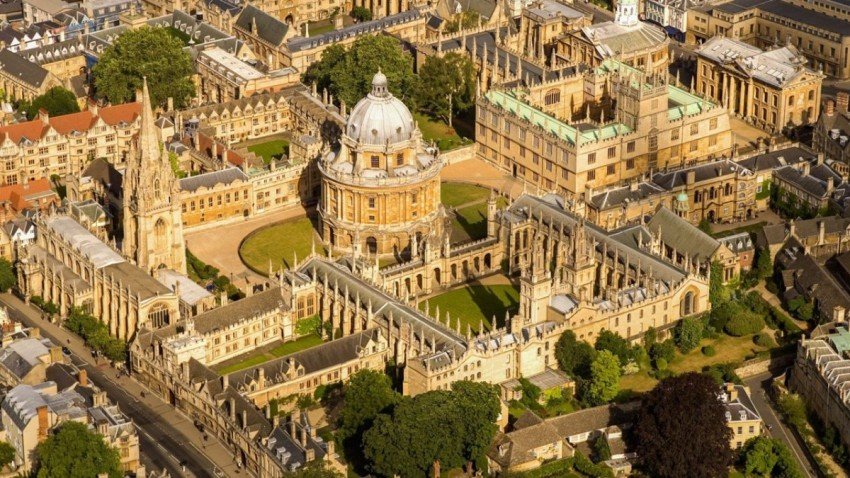 Oxford Üniversitesi Covid-19 Aşısı için Tarih Verdi