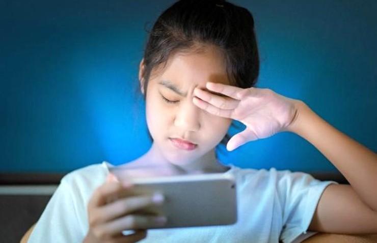 Uzun süre dijital ekrana bakmak bilgisayar görme sendromuna neden oluyor