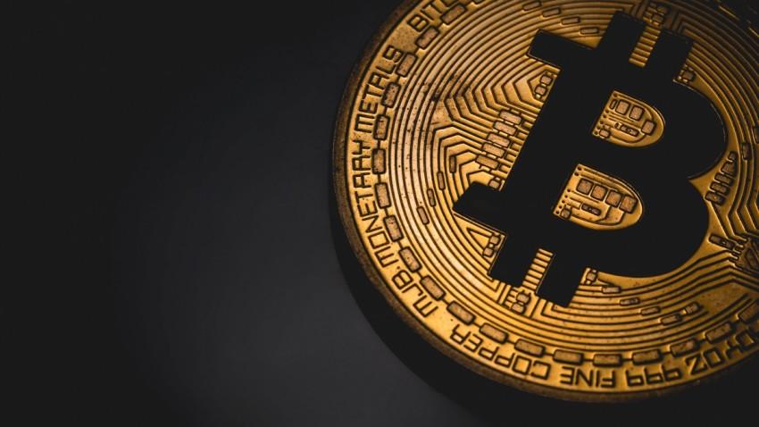 bitcoin 10 bin dolar barajını