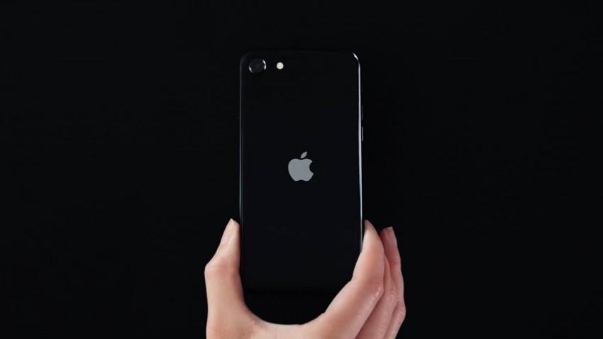 Apple iPhone SE (2020) Parçalarına Ayrıldı