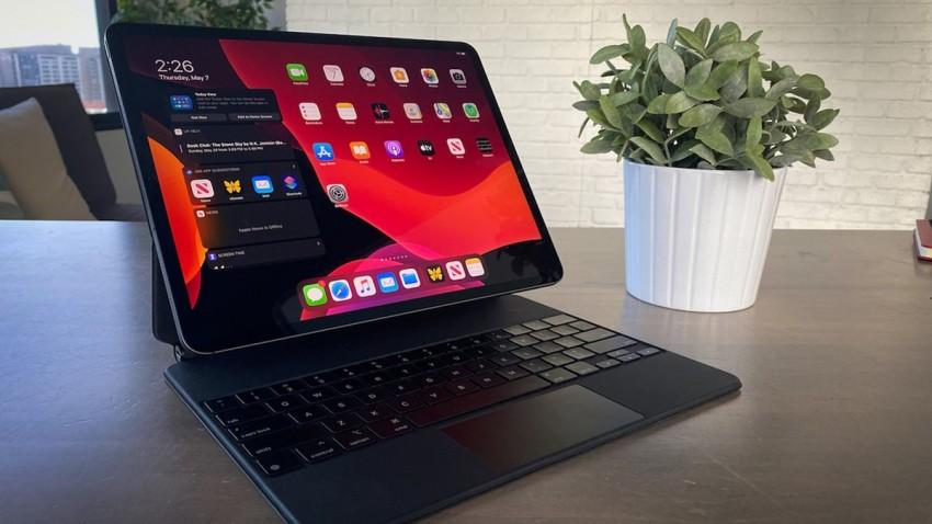 Apple Magic Keyboard iPad Pro Bataryasını Boşaltıyor!