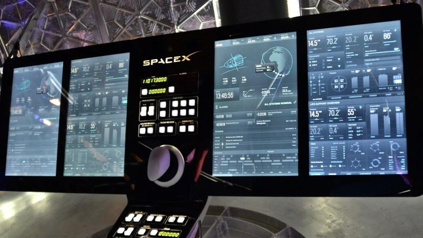 SpaceX Crew Dragon Dokunmatik Ekran ile Kontrol Edilebilecek