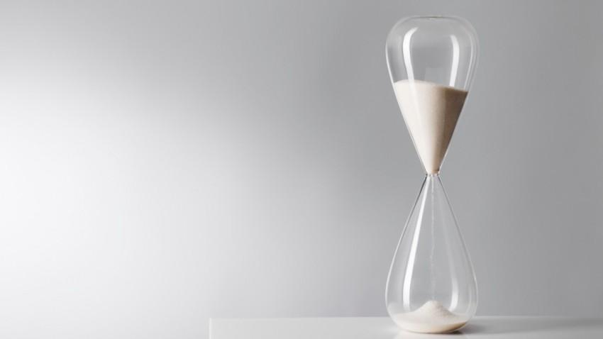 Zaman Gerçekten Yavaşlayıp Hızlanır mı?