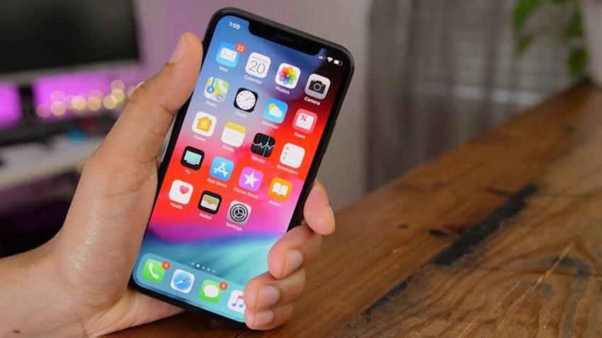katlanabilir-iphone-kendi-kendini-onaran-ekran