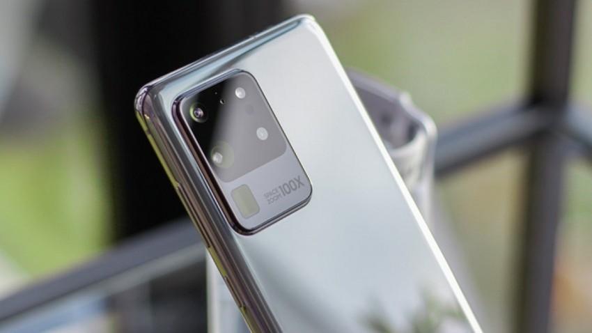 samsung-yuvarlanabilir-ekranli-telefon-cikarabilir