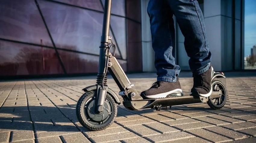 elektrikli-scooter-kullanimina-yas-siniri