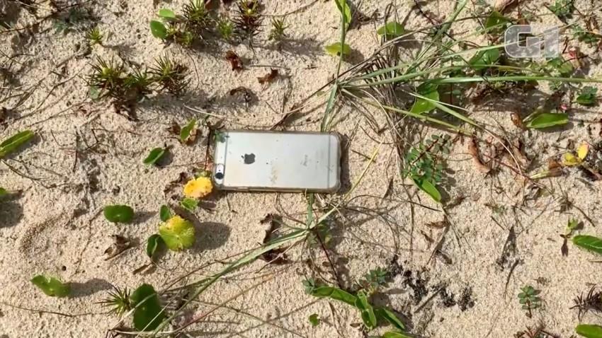 Uçaktan Düşen iPhone 6s Hayatta Kalmayı Başardı