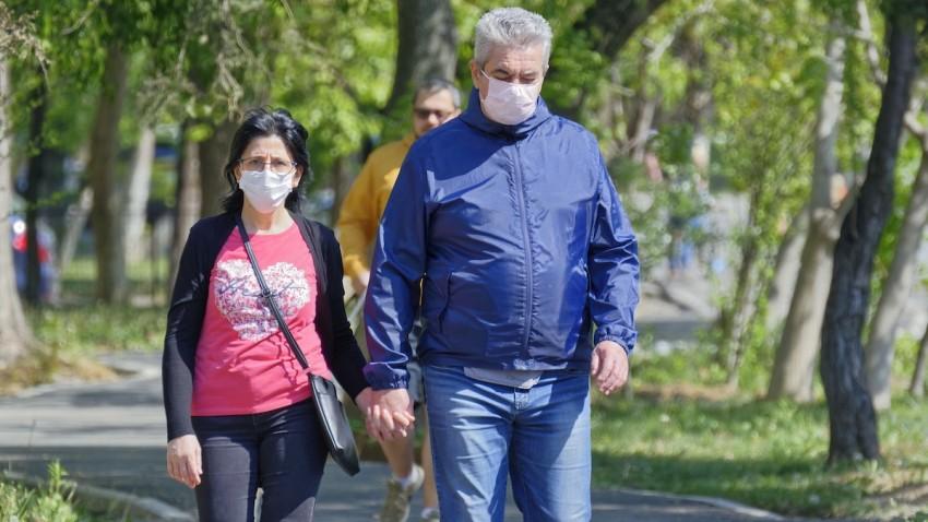 cift-maske-kullanmak-ne-kadar-etkili