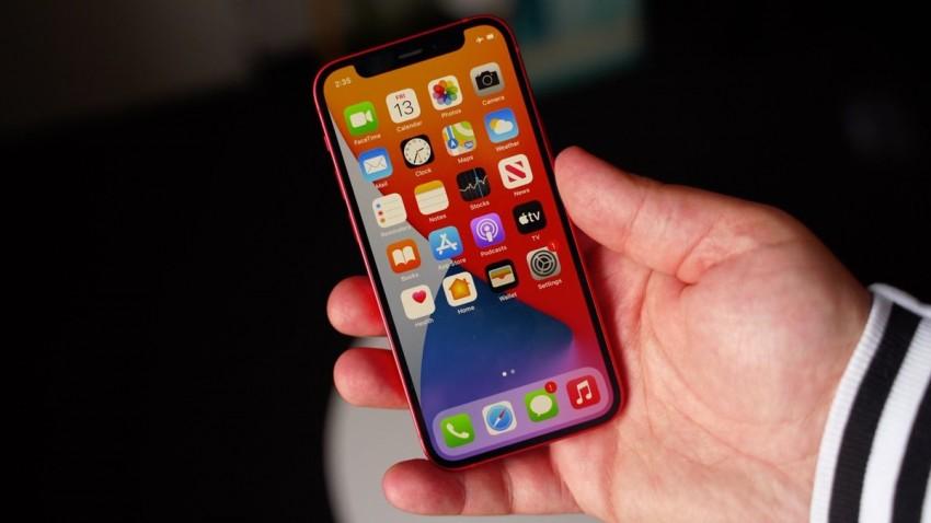 iPhone 13 Ekran Altı Sensör Kullanacak!