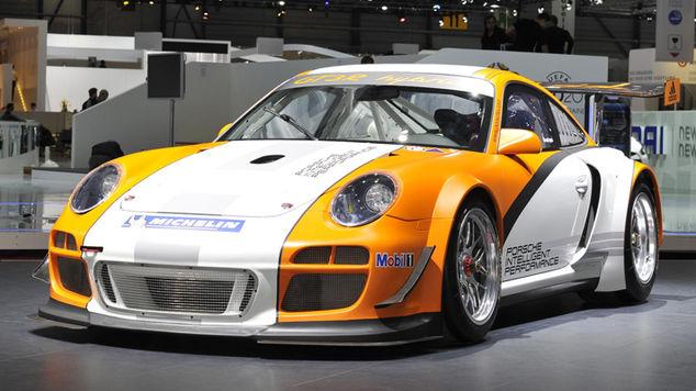 <strong>Porsche 911 GT3 R Hybrid</strong>