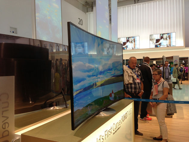 Samsung 65-Inch Curved OLED