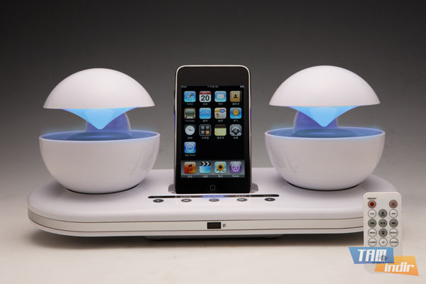 Speakal iCrystal iPhone Dock
