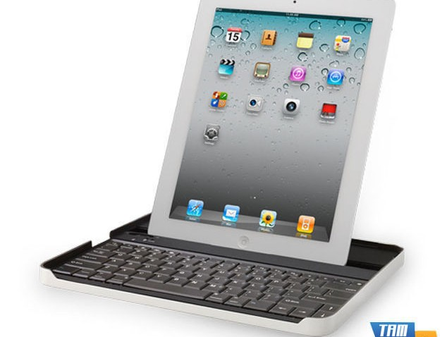 Logitech Keyboard Case by Zagg for iPad 2