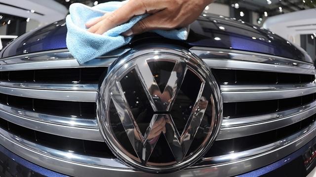 Volkswagen Emisyon Hileli Araç Sahiplerine Nakit Ödeme Yapacak