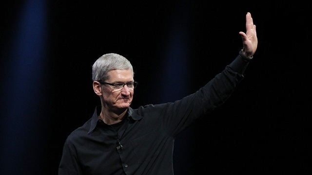 Apple CEO'su Tim Cook 2014'ün En İyi CEO'su Seçildi