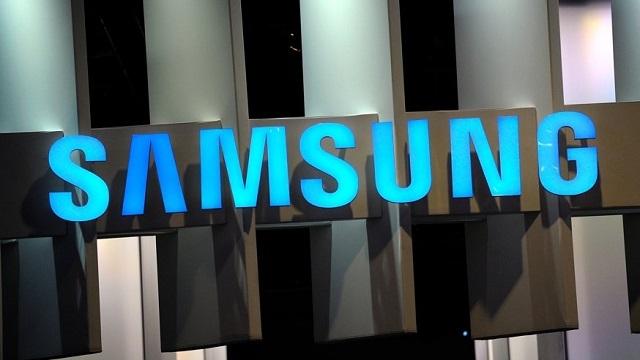 Samsung Galaxy S6'nın Ekranı Görüntülendi