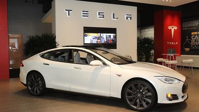 Sürücüsüz Otomobil Trendine Tesla da Katılıyor