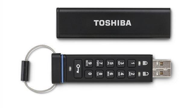 Toshiba'nın Yeni USB Belleği, Şifreleme İçin Özel Tuş Takımıyla Geliyor