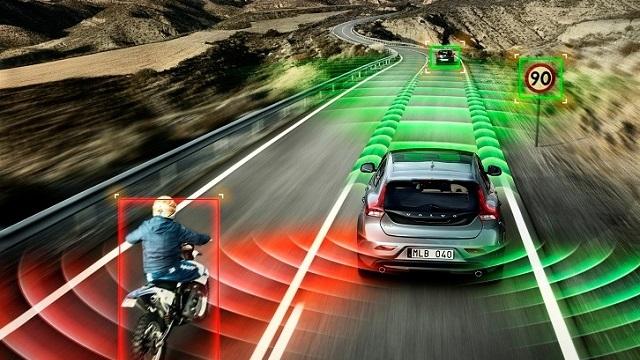 Volvo'nun Sürücüsüz Otomobilleri 2017'de Trafiğe Çıkacak