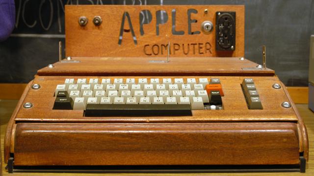 Apple-1 Bilgisayarı Açık Arttırmayla 905,000 Dolara Satıldı