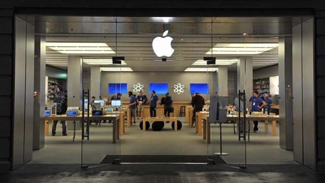 """Apple, Müşterilerin """"Özel Fotoğraflarını"""" Çalan Çalışanlarını Kovdu"""
