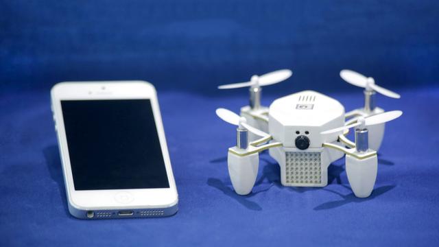 Akıllı Telefonunuza Bağlı Uçan Kamera: ZANO