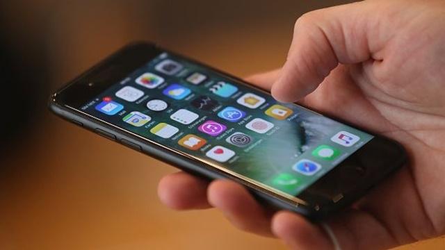 Snapchat'i Kopyalayanlar Arasına Apple'da Katıldı