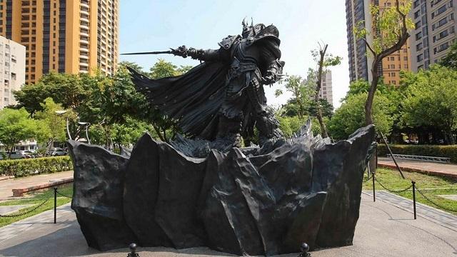 Blizzard, Lich King Arthas Menethil'in Heykelini Dikti!