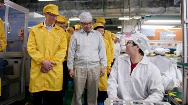 Donald Trump Apple'ı Tamamen Amerika'ya Çağırıyor