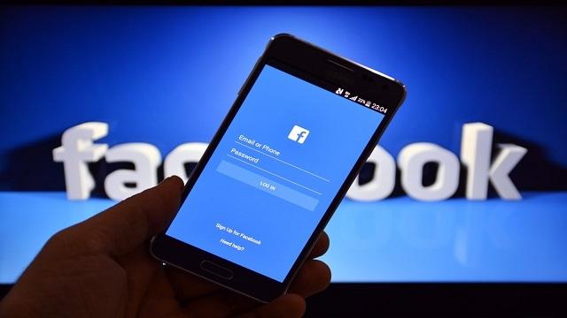 Facebook'ta Dikey Video Dönemi Başlıyor