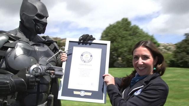 Fan Yapımı Batman Kıyafeti Guinness Rekorlar Kitabına Girdi
