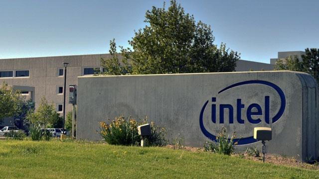 Intel Giyilebilir Teknolojiden Uzak Durabilir