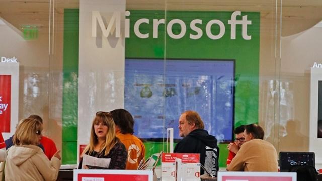 Microsoft Surface Phone, iPhone Katili Olabilir