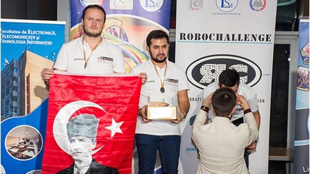 Robochallenge Robot Yarışması'na Bir Türk Damga Vurdu