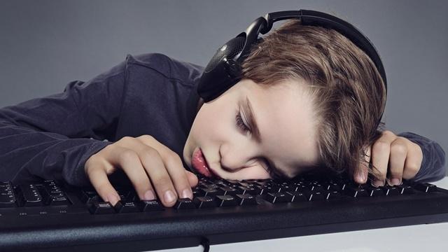 Ruhsal Hastalıklara Bir Yenisi Daha Eklendi: İnternet Bağımlılığı