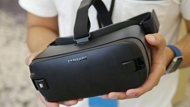 Samsung Gear VR 782 Bin Satarak Zirveye Oturdu