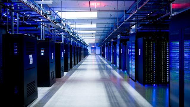 Facebook'un Devasa Veri Merkezinin İnşaatına Başlandı