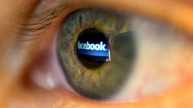 Social Roulette'e Facebook Yasağı