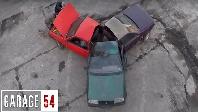 Rusya'da Otomobillerden Stres Çarkı Yaptılar