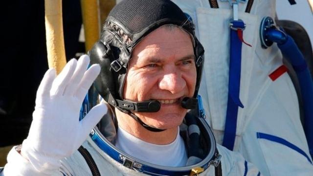 60 Yaşındaki Astronot, Uzayda Rekor Kırmayı Hedefliyor