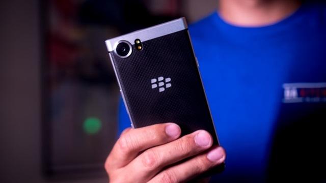 BlackBerry'den Suya Dayanıklı Telefon Geliyor!