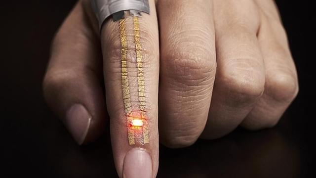 Bilim Adamları Sağlınızı Kontrol Eden Geçici Dövme Geliştirdi
