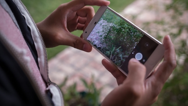Eski Google Yöneticisi: 'iPhone Kameraları Android'den Daha İyi'