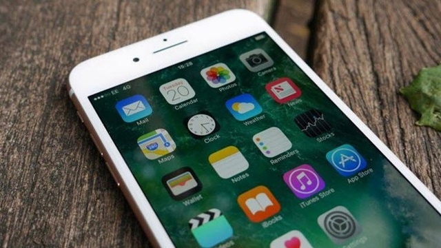 iPhone 8'in Tanıtım Tarihi Ertelendi!