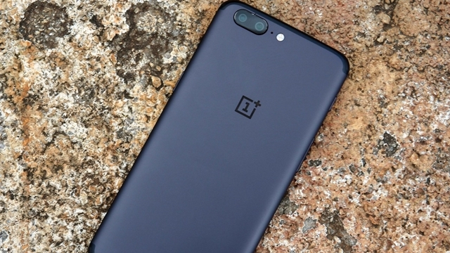 8GB Bellekli OnePlus 5 Sevkiyata Hazır!